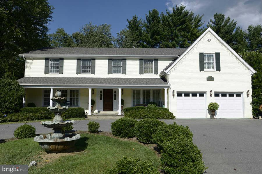 Single Family for Sale at 7007 Persimmon Tree Rd Bethesda, Maryland 20817 United States