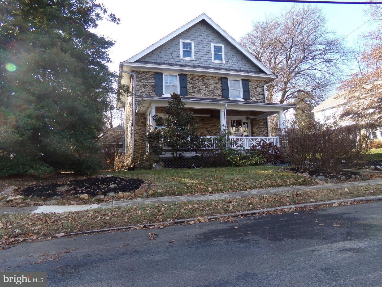Maison unifamiliale pour l Vente à 76 CASSATT Avenue Tredyffrin, Pennsylvanie 19312 États-Unis