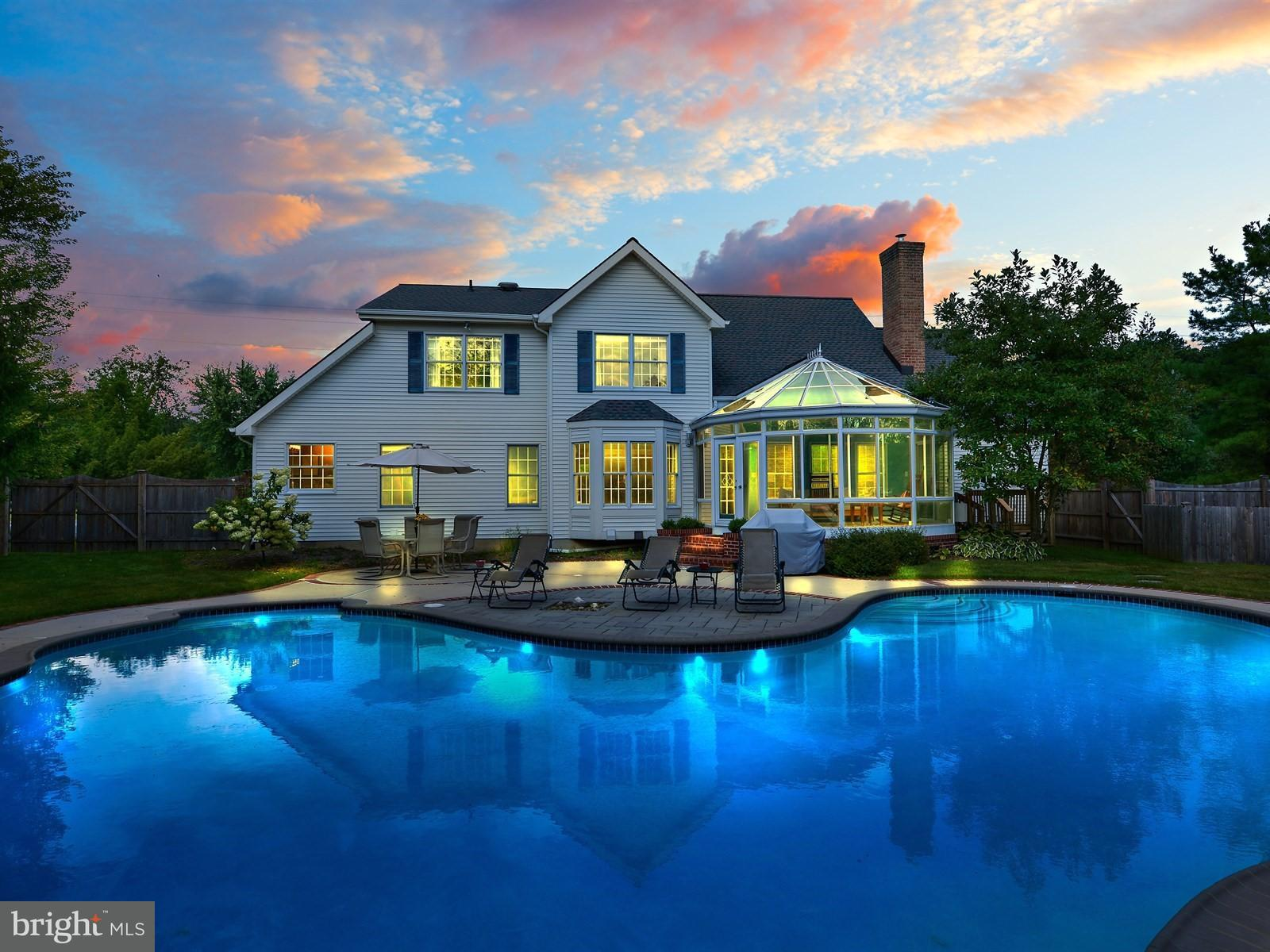 Day or night, this home is perfection.