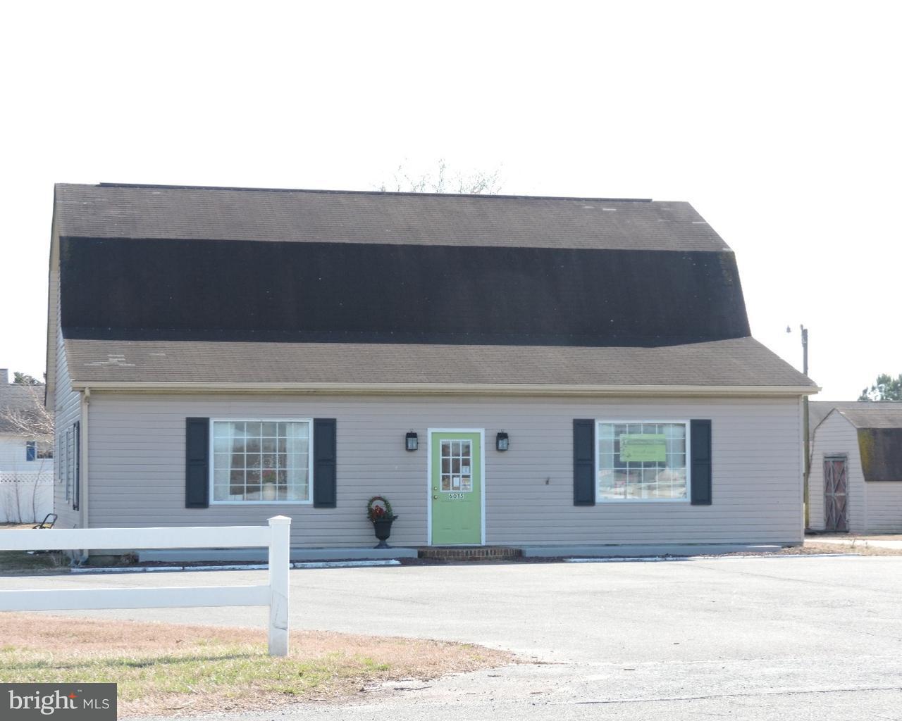 Casa Unifamiliar por un Venta en 6015 MILFORD HARRINGTON HWY Harrington, Delaware 19952 Estados Unidos