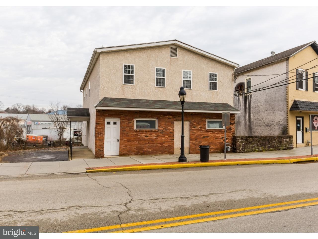 Частный односемейный дом для того Аренда на 145 N MAIN Street Spring City, Пенсильвания 19475 Соединенные Штаты