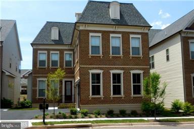 Single Family Home for Sale at 20629 Holyoke Drive 20629 Holyoke Drive Ashburn, Virginia 20147 United States
