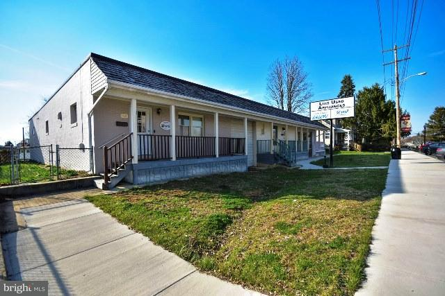 Commercial for Sale at 308 Fairfax Blvd S Ranson, West Virginia 25438 United States