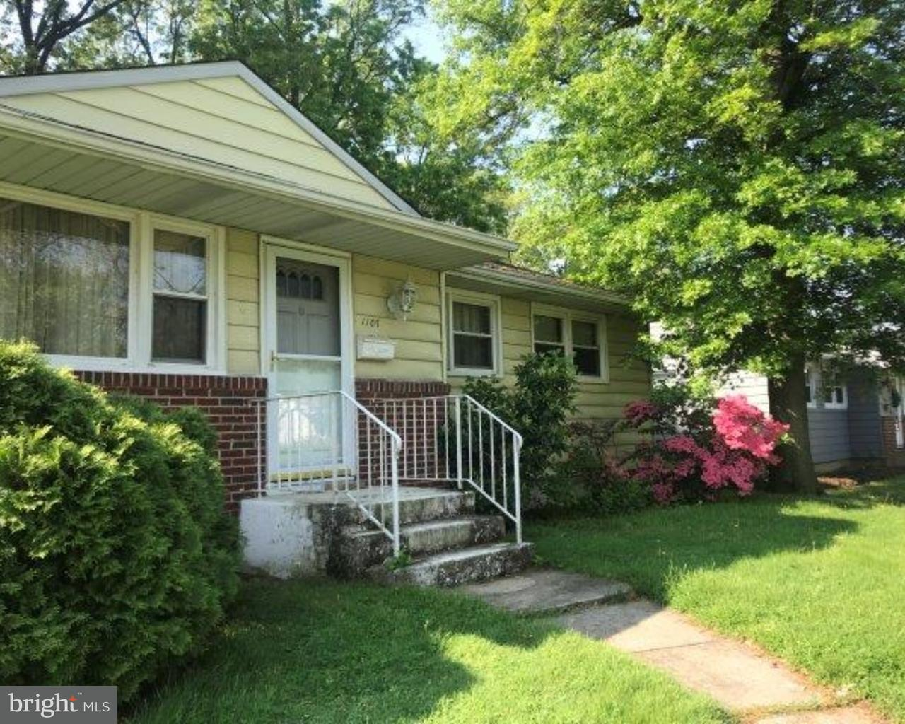 Single Family Home for Sale at 1107 HICKORY Street Delanco Township, New Jersey 08075 United States