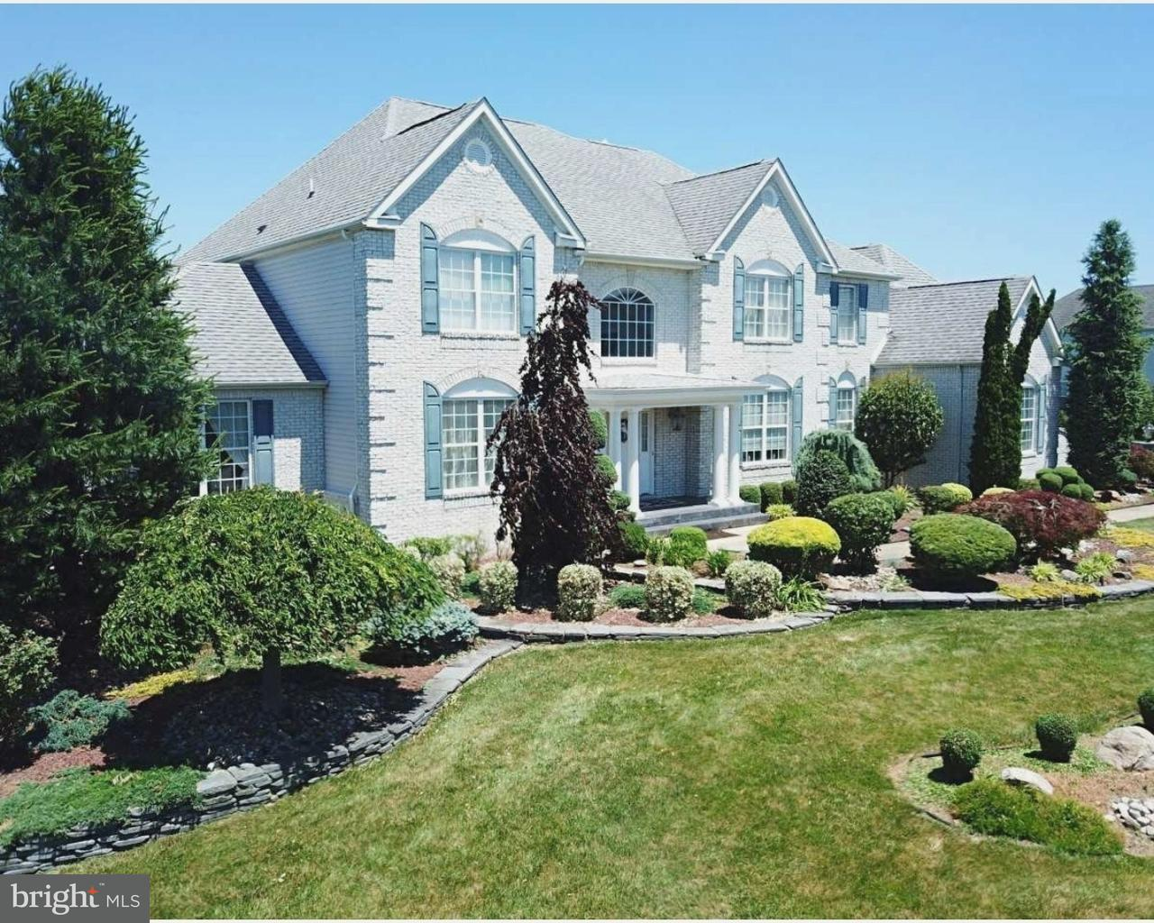 Single Family Home for Sale at 16 SHERWOOD Lane Columbus, New Jersey 08022 United States