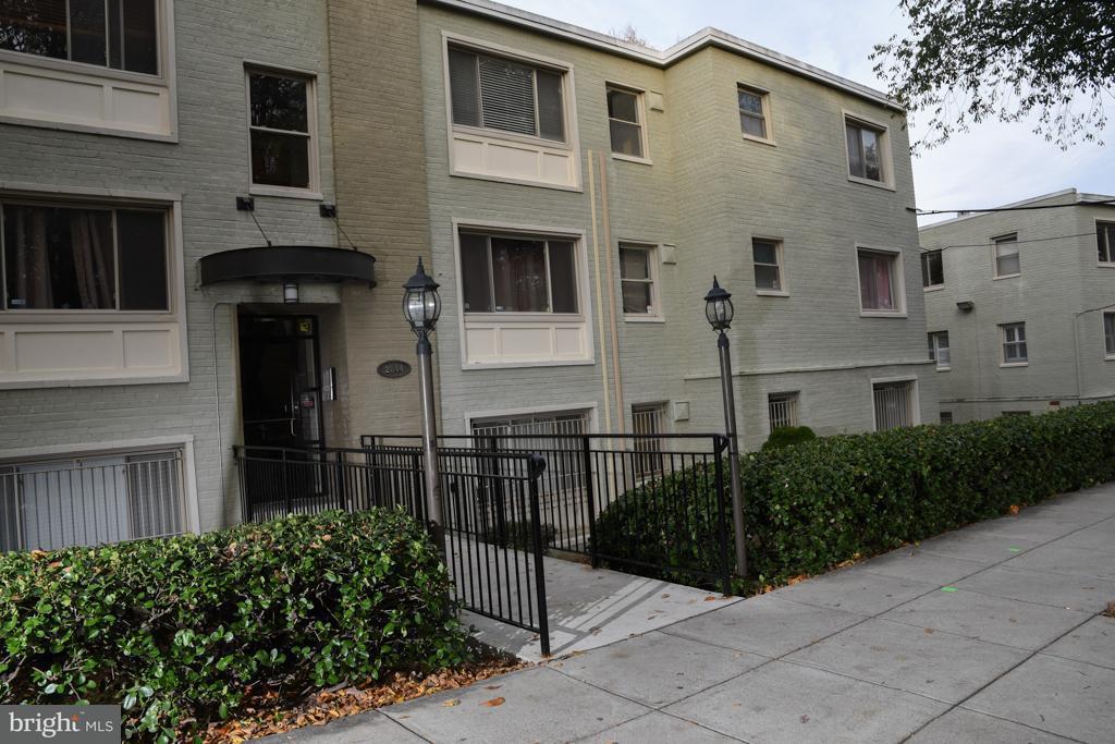 Condominium for Rent at 2844 Hartford St SE #301 Washington, District Of Columbia 20020 United States