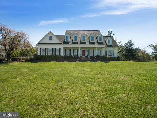 Property for sale at 17140 Paloma Cir, Round Hill,  VA 20141