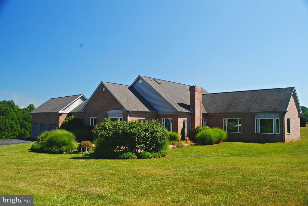 Single Family Home for Sale at 10118 Jacksontown Road 10118 Jacksontown Road Somerset, Virginia 22972 United States
