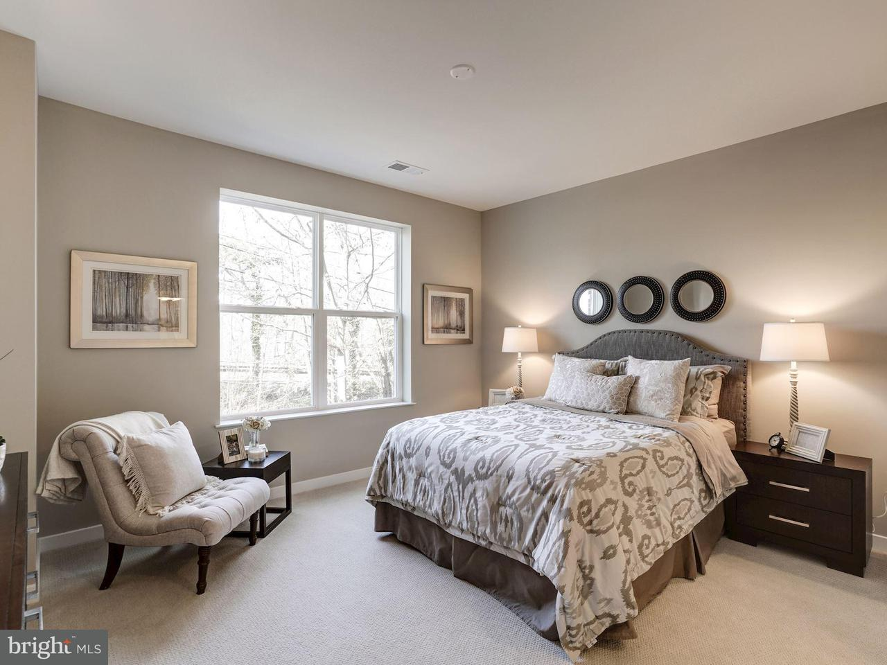 Additional photo for property listing at 9450 Silver King Ct #109 9450 Silver King Ct #109 Fairfax, Virginia 22031 Estados Unidos