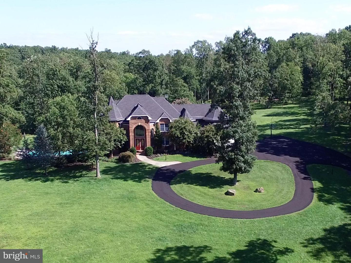 Single Family for Sale at 41155 Trotter Ln Paeonian Springs, Virginia 20129 United States