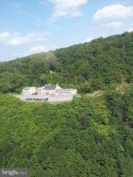 Single Family Home for Sale at 3299 Cacapon Road 3299 Cacapon Road Berkeley Springs, West Virginia 25411 United States