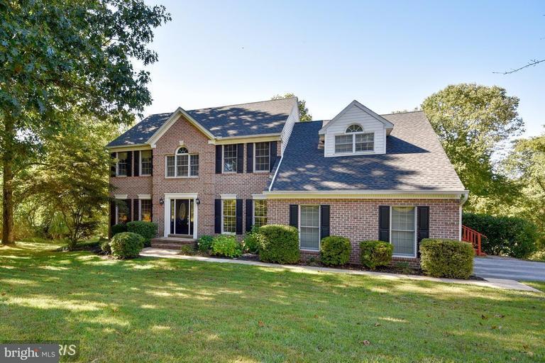 獨棟家庭住宅 為 出售 在 10 Elizabeth Court 10 Elizabeth Court Sparks, 馬里蘭州 21152 美國