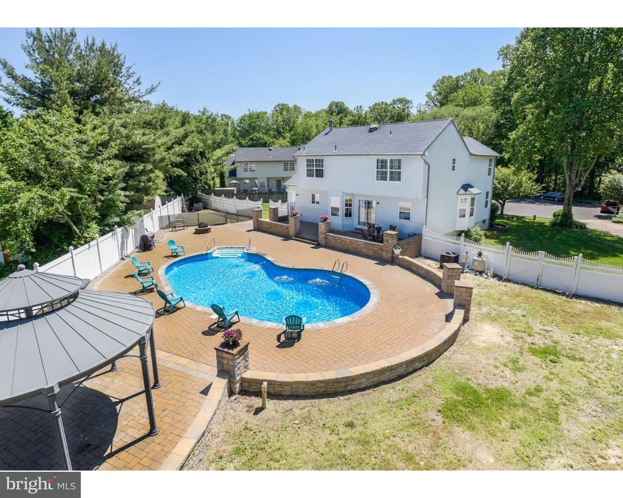 Частный односемейный дом для того Продажа на 17 JOEL Court Lindenwold, Нью-Джерси 08021 Соединенные Штаты