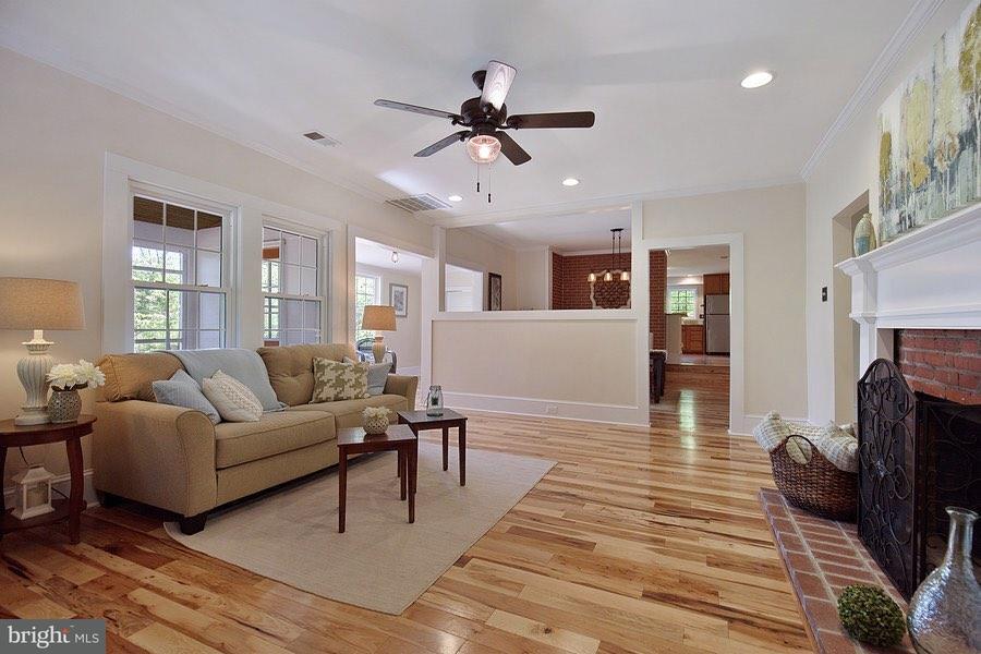 Villa per Vendita alle ore 7098 Myrtle Avenue 7098 Myrtle Avenue North Beach, Maryland 20714 Stati Uniti