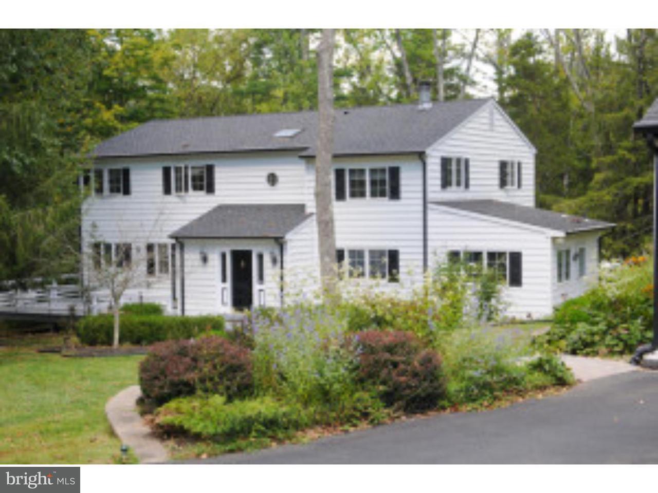 Частный односемейный дом для того Продажа на 23 CEDAR Lane Titusville, Нью-Джерси 08560 Соединенные ШтатыВ/Около: Hopewell Township