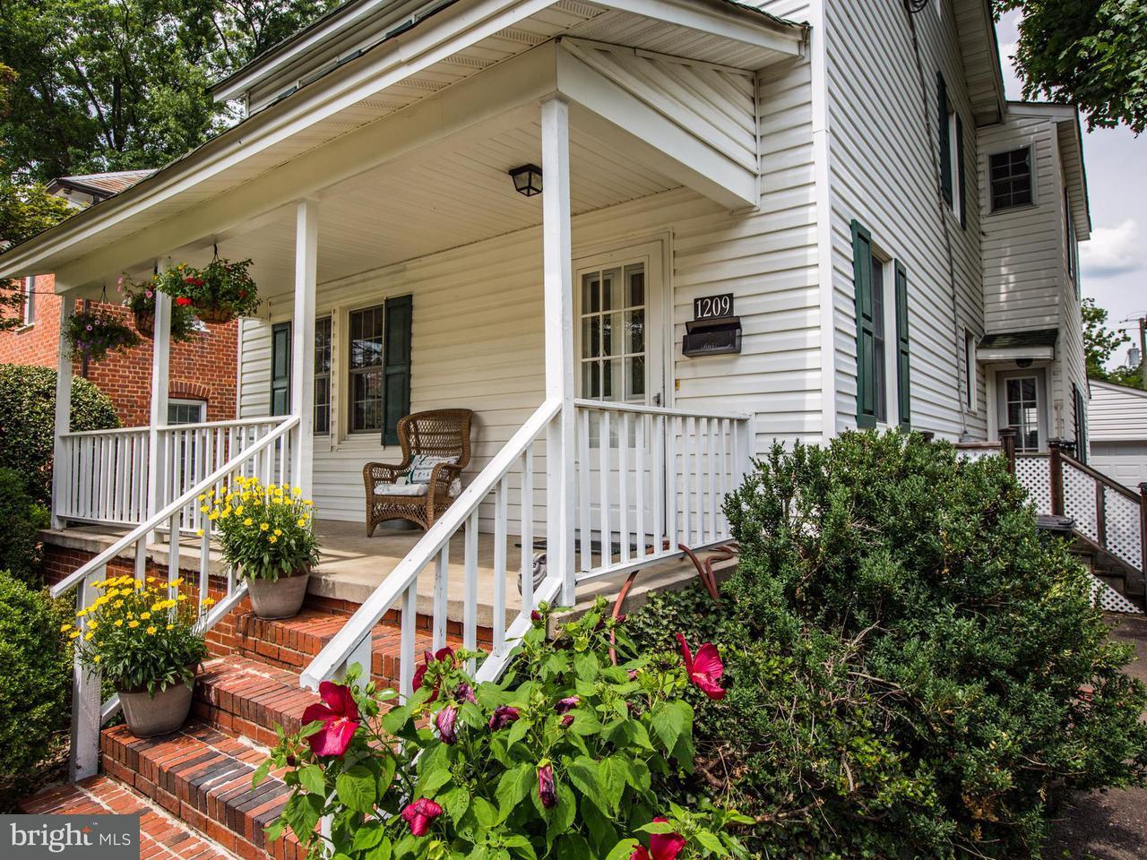 一戸建て のために 売買 アット 1209 Littlepage Street 1209 Littlepage Street Fredericksburg, バージニア 22401 アメリカ合衆国