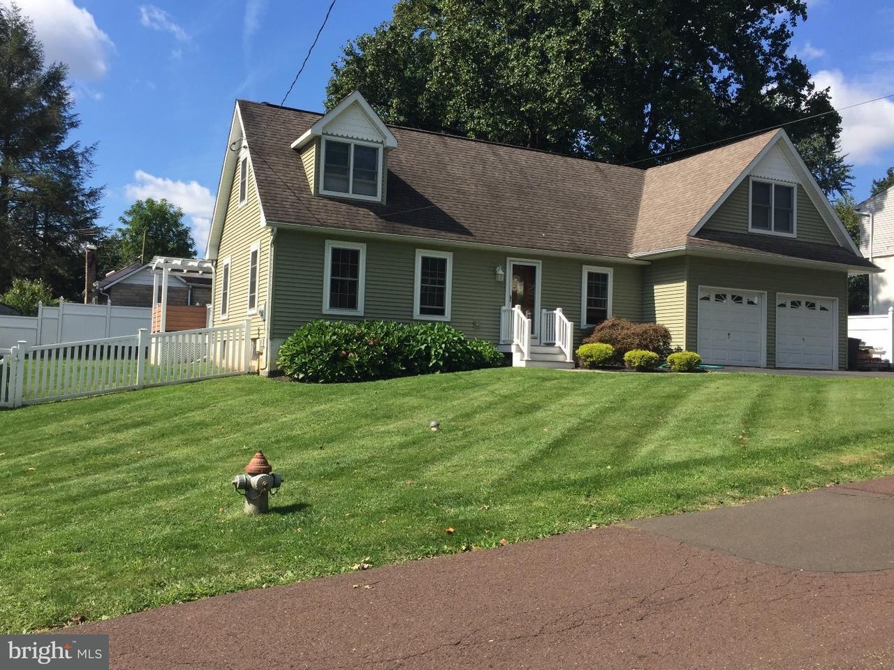 Casa Unifamiliar por un Venta en 643 D Avenue Feasterville, Pennsylvania 19053 Estados Unidos