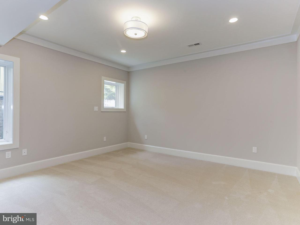 Additional photo for property listing at 7106 Enterprise Avenue 7106 Enterprise Avenue McLean, Virginia 22101 United States