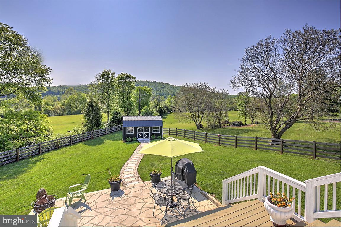 Einfamilienhaus für Verkauf beim 18035 Lovers Lane 18035 Lovers Lane Gordonsville, Virginia 22942 Vereinigte Staaten