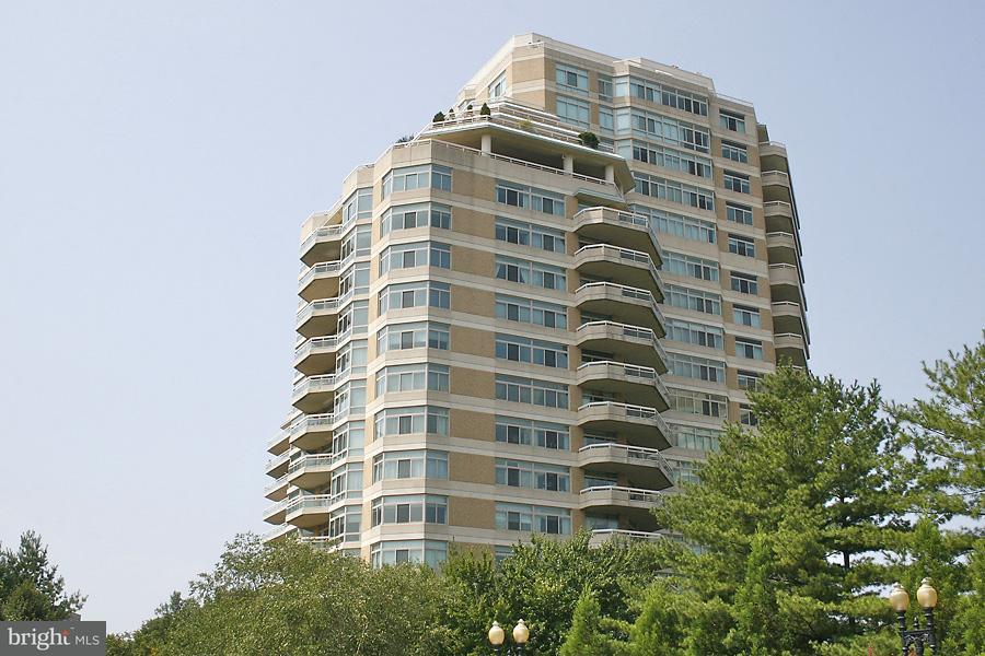 Condominium for Rent at 5610 Wisconsin Ave #1408 Chevy Chase, Maryland 20815 United States