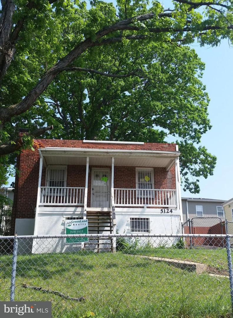Single Family for Sale at 5124 Queens Stroll Pl SE Washington, District Of Columbia 20019 United States
