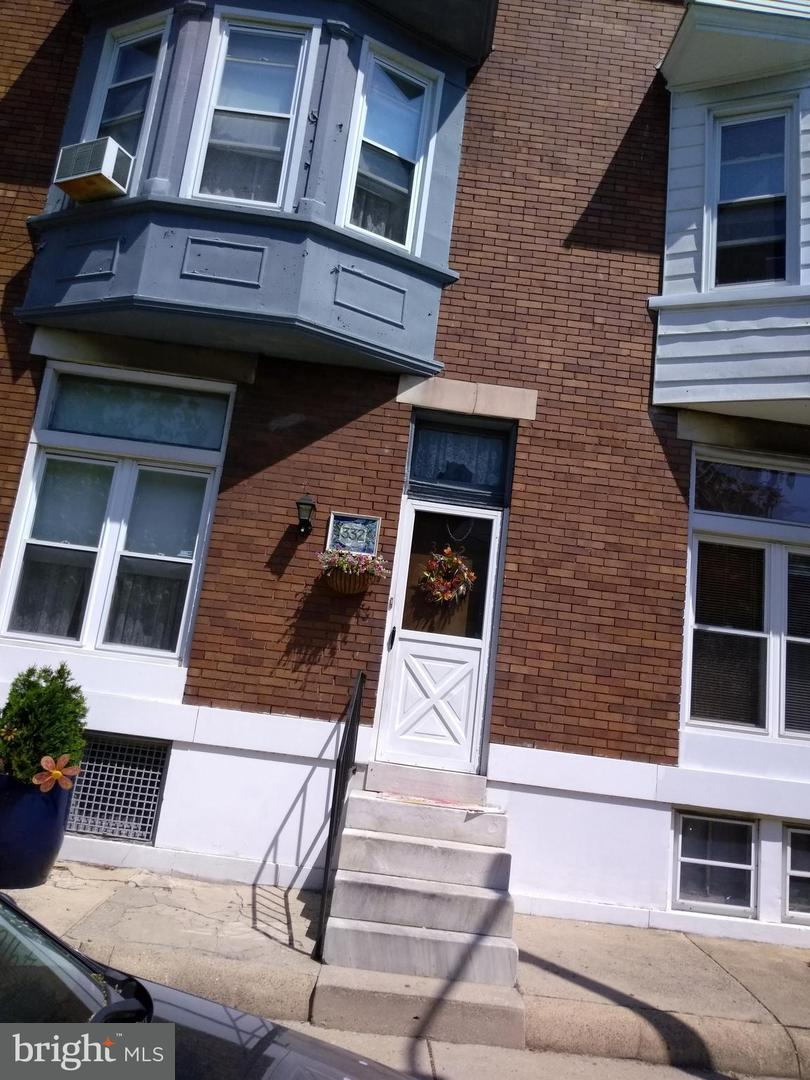 Single Family for Sale at 332e Lorraine Ave Baltimore, Maryland 21218 United States