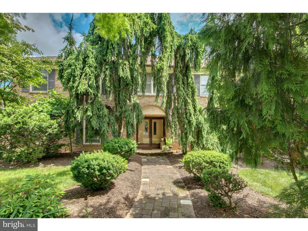 60 COLONIAL DR, Newtown PA 18940