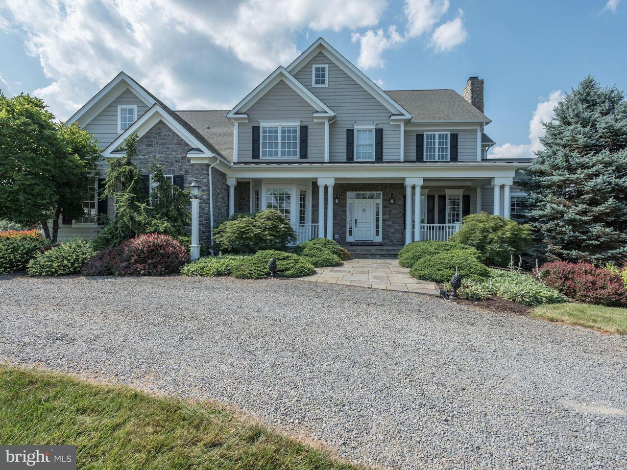 Casa Unifamiliar por un Venta en 14777 Clover Hill Road 14777 Clover Hill Road Waterford, Virginia 20197 Estados Unidos