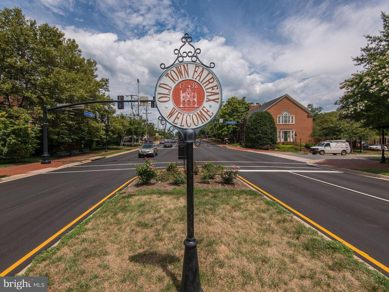 Additional photo for property listing at 3989 Norton Pl #207 3989 Norton Pl #207 Fairfax, バージニア 22030 アメリカ合衆国