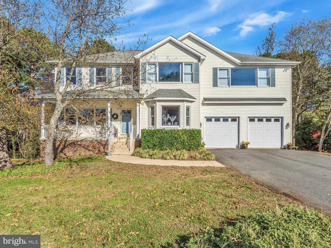 Maison unifamiliale pour l Vente à 414 Overlook Drive 414 Overlook Drive Lusby, Maryland 20657 États-Unis