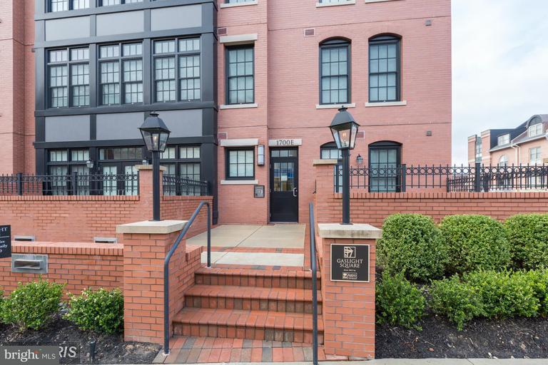 Condominium for Rent at 1700 Clarendon Blvd #157 Arlington, Virginia 22209 United States