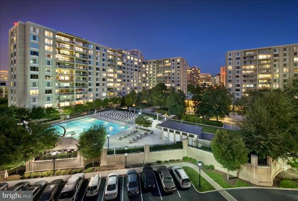 Additional photo for property listing at 1600 S. Eads #002/2  Arlington, Virginia 22202 United States