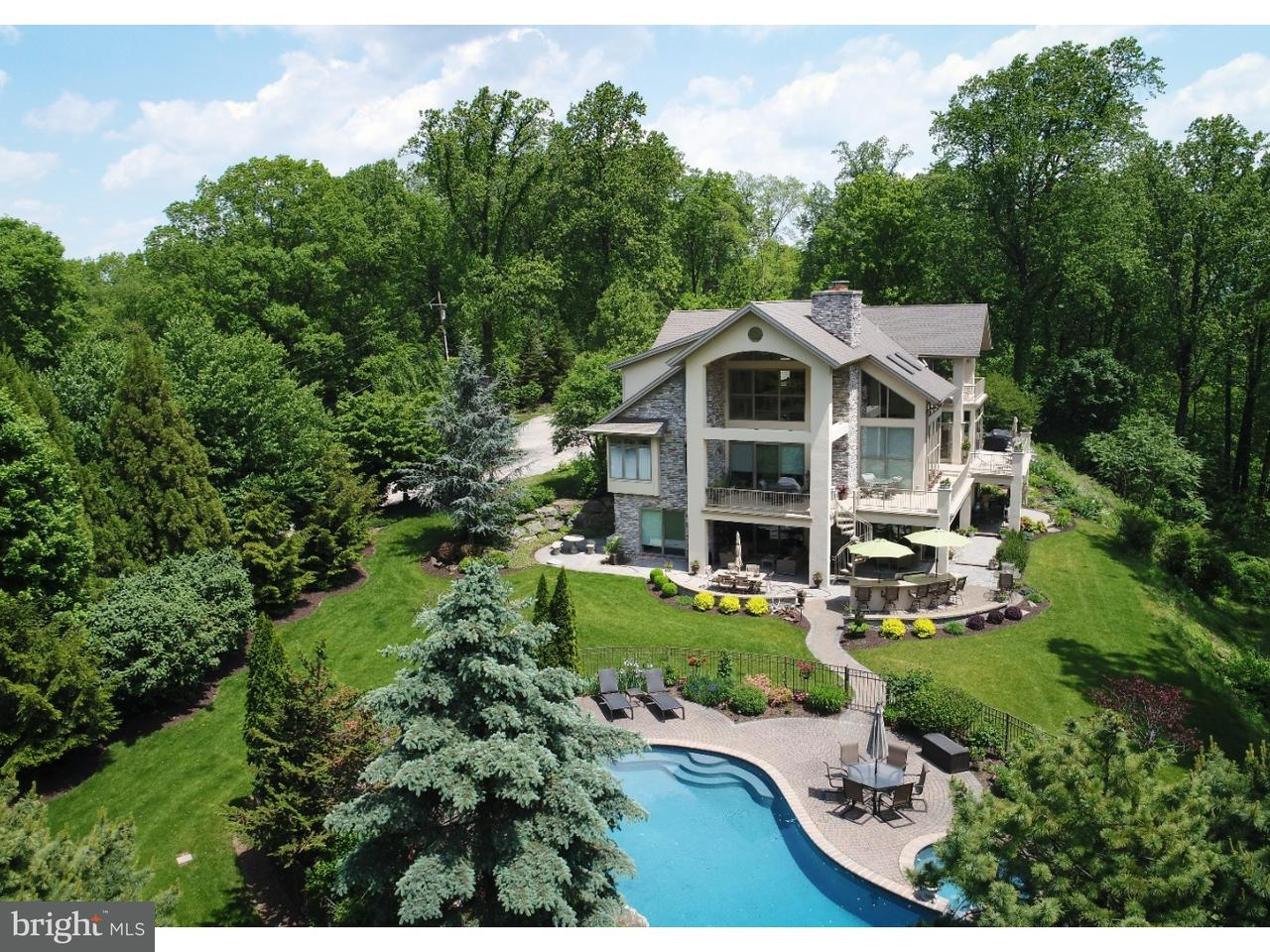 Частный односемейный дом для того Продажа на 601 PAXINOSA RD E Easton, Пенсильвания 18040 Соединенные ШтатыВ/Около: Forks Township