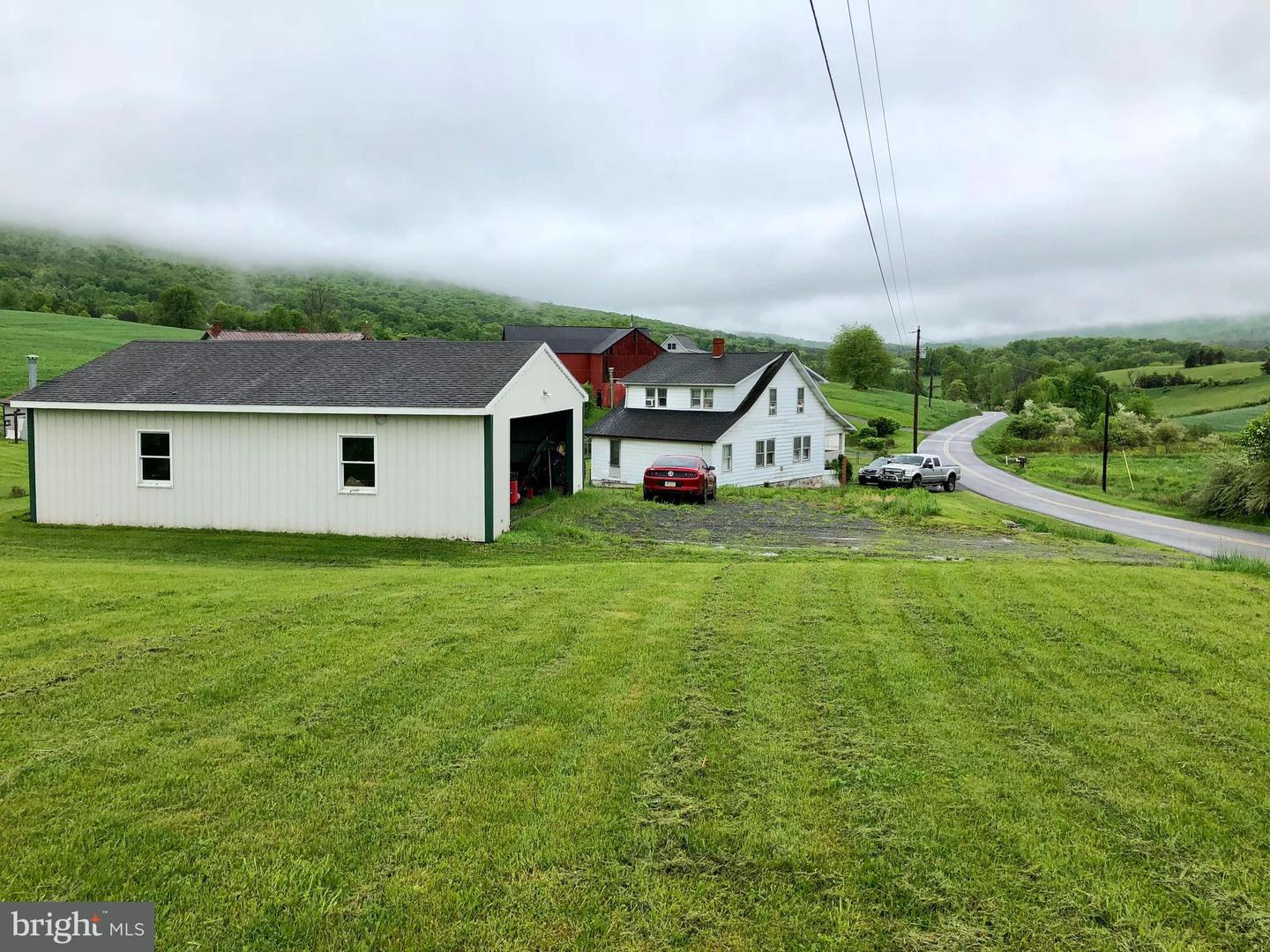 Single Family for Sale at 3342 Peach Orchard Rd Mc Connellsburg, Pennsylvania 17233 United States