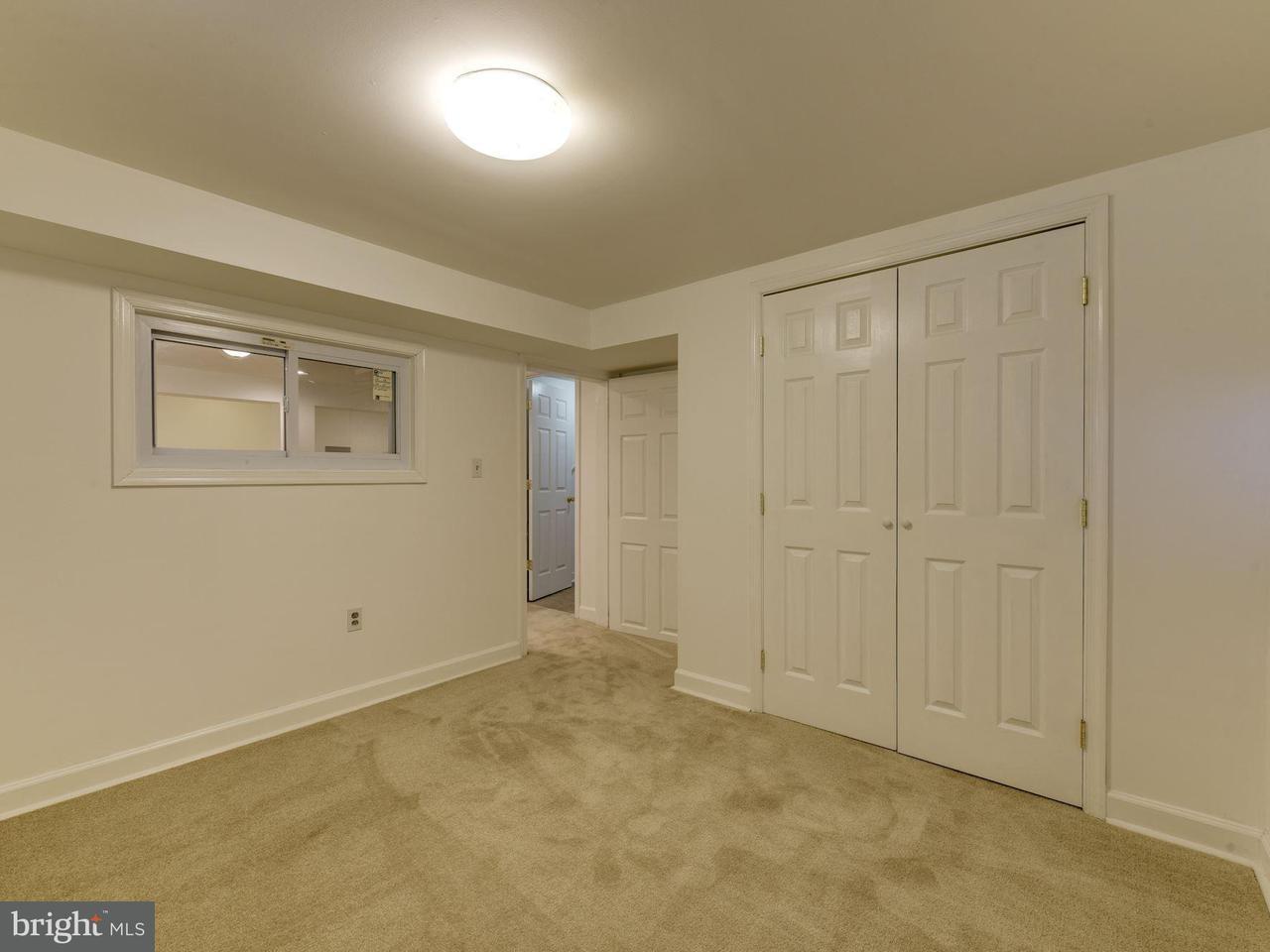 Additional photo for property listing at 10929 Warwick Avenue 10929 Warwick Avenue Fairfax, Virginia 22030 Estados Unidos