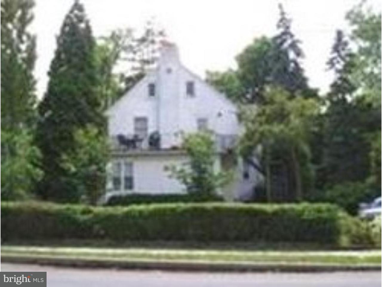 Casa Unifamiliar por un Alquiler en 100 S VALLEY RD #2E Paoli, Pennsylvania 19301 Estados Unidos