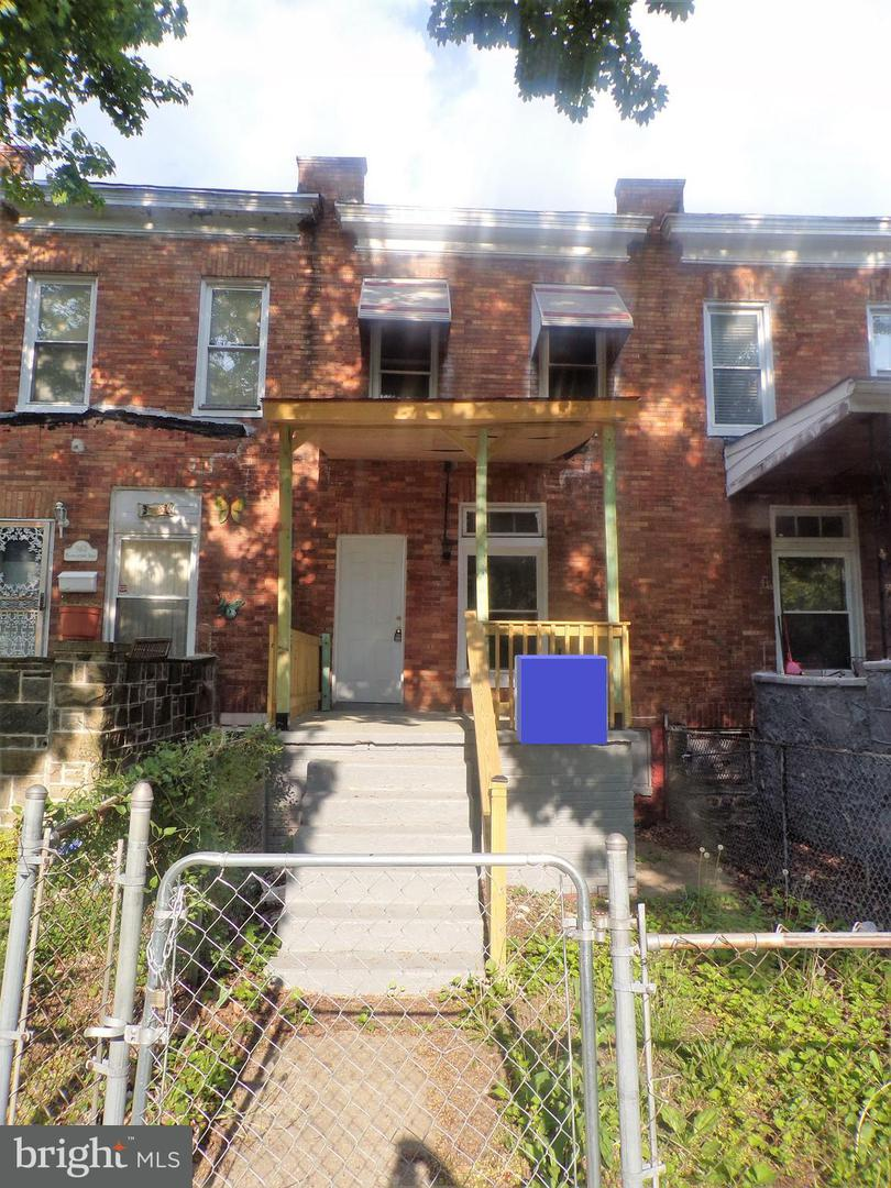Single Family for Sale at 962 Franklintown Rd Baltimore, Maryland 21216 United States