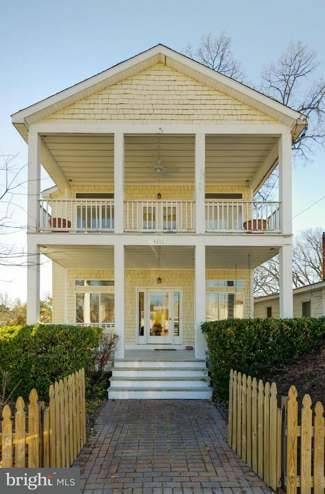 Single Family Home for Sale at 4111 2nd Street 4111 2nd Street North Beach, Maryland 20714 United States