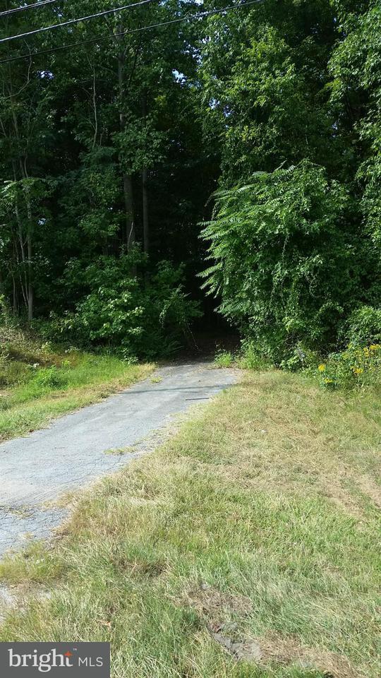 Terreno por un Venta en 881 Solomons Island Road 881 Solomons Island Road Prince Frederick, Maryland 20678 Estados Unidos