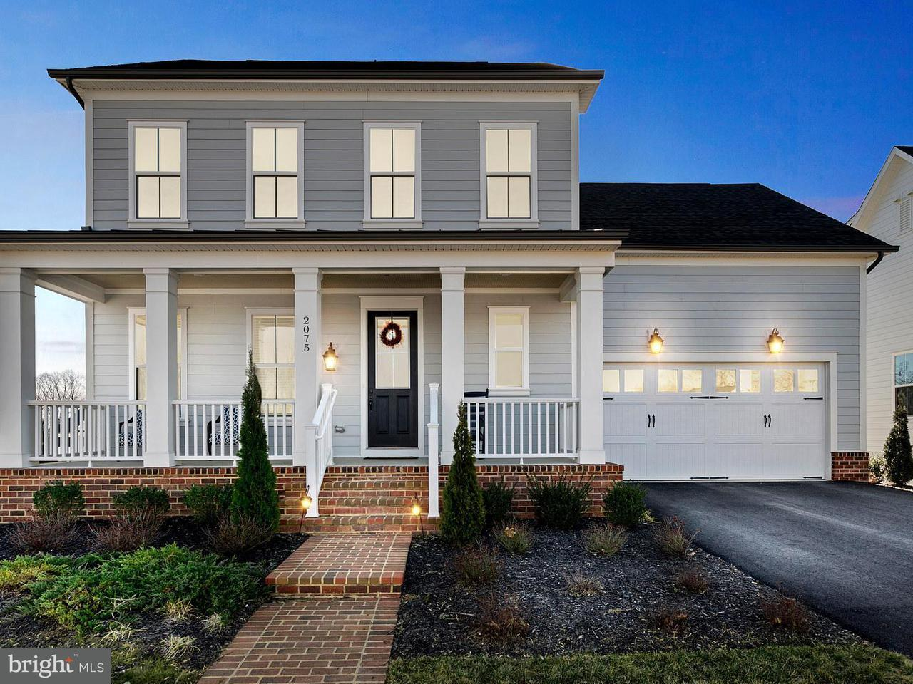 Casa Unifamiliar por un Venta en 2075 Twin Six Lane 2075 Twin Six Lane Dumfries, Virginia 22026 Estados Unidos