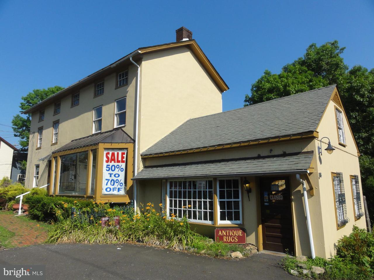Maison unifamiliale pour l Vente à 5921 LOWER YORK Road Lahaska, Pennsylvanie 18938 États-UnisDans/Autour: Solebury Township