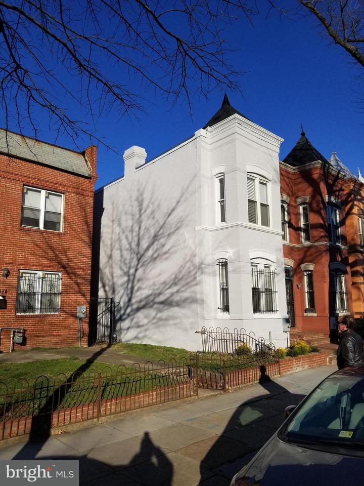 Σπίτι στην πόλη για την Πώληση στο 1316 Florida Ave Ne 1316 Florida Ave Ne Washington, Περιφερεια Τησ Κολουμπια 20002 Ηνωμενεσ Πολιτειεσ