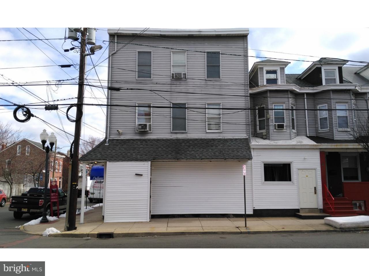 Maison unifamiliale pour l Vente à 600 CHESTNUT Avenue Trenton City, New Jersey 08611 États-UnisDans/Autour: Trenton City