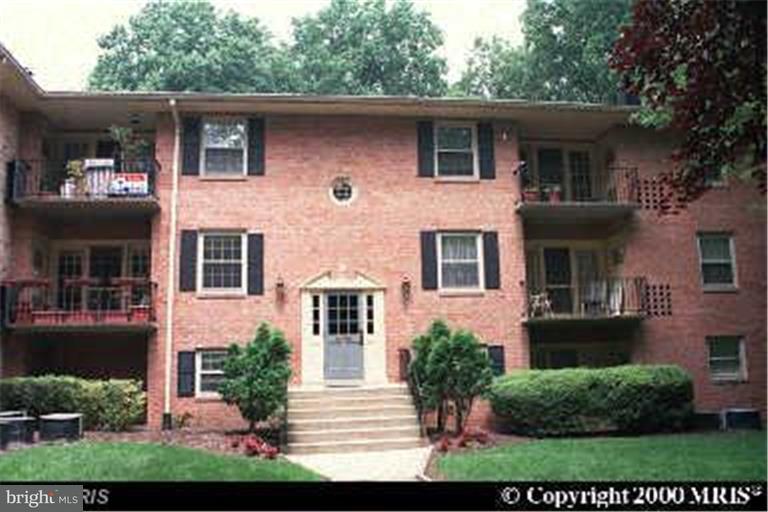 Fairfax Homes for Sale -  Short Sale,  3790  LYNDHURST DRIVE  101