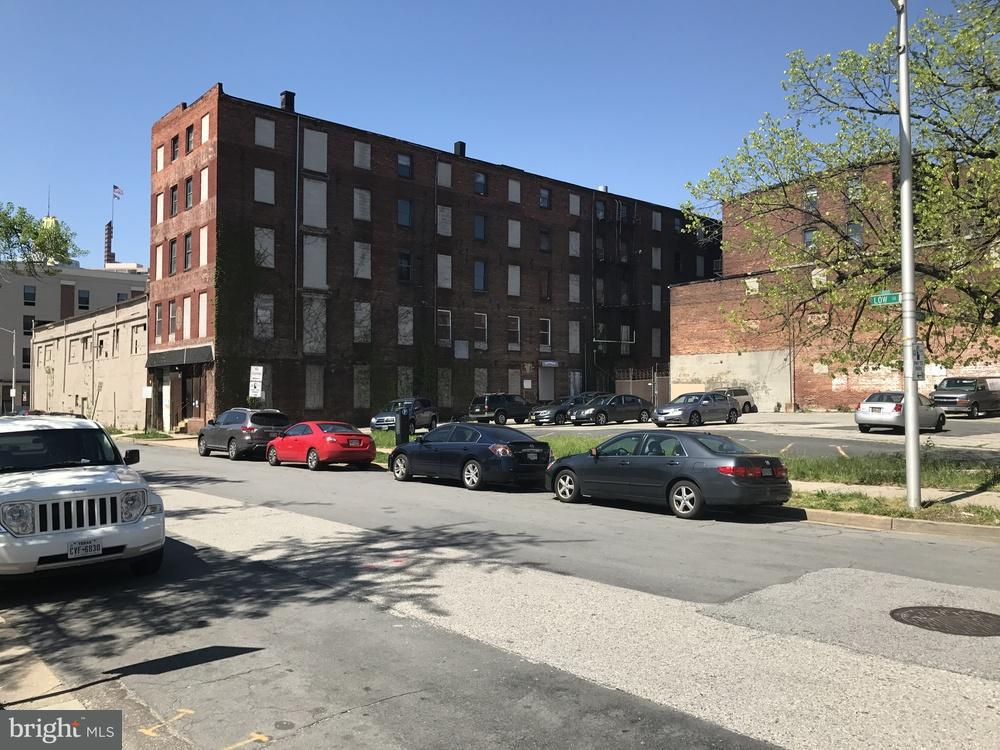 Commercial for Sale at 312 High St N Baltimore, Maryland 21202 United States