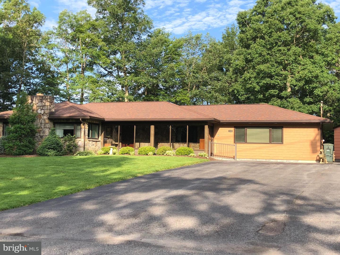 Single Family for Sale at 1210 Broadford Rd Mountain Lake Park, Maryland 21550 United States