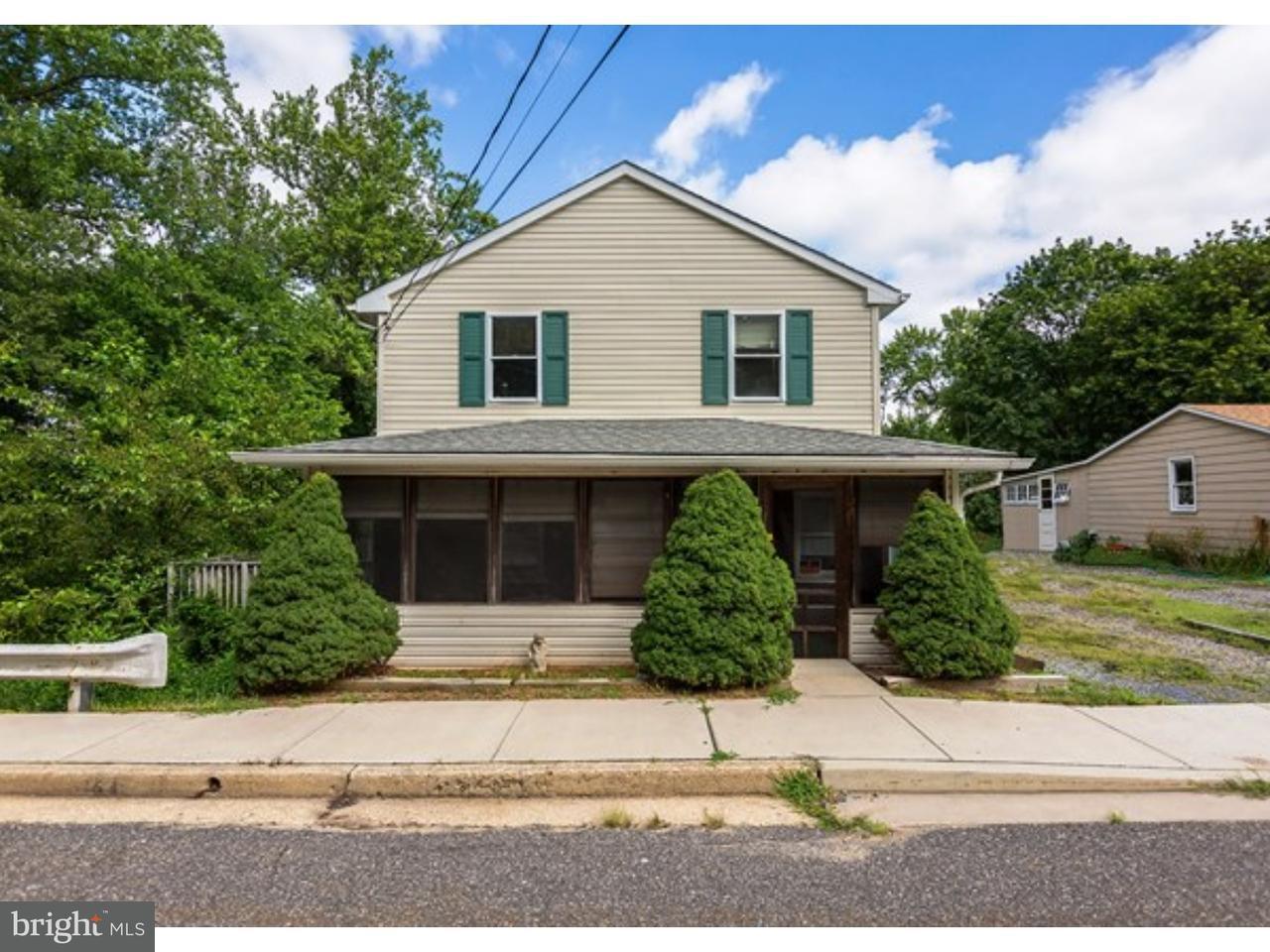 Maison unifamiliale pour l Vente à 74 W MAIN Street Alloway, New Jersey 08001 États-Unis