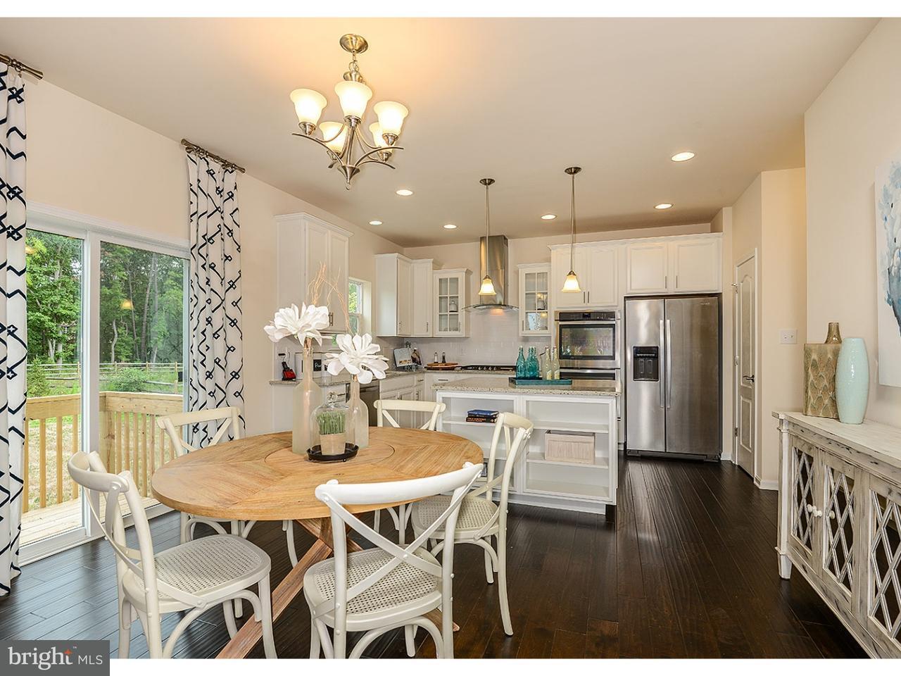 独户住宅 为 销售 在 2 MIMOSA CT #B Gloucester, 新泽西州 08081 美国