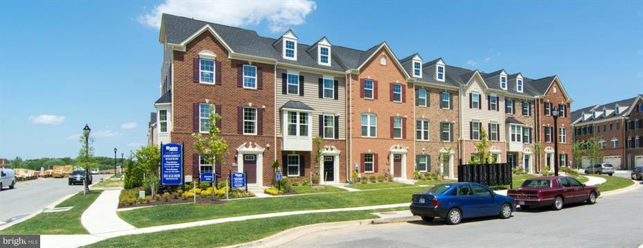 Σπίτι στην πόλη για την Πώληση στο 8124 Miner St #700c 8124 Miner St #700c Greenbelt, Μεριλαντ 20770 Ηνωμενεσ Πολιτειεσ
