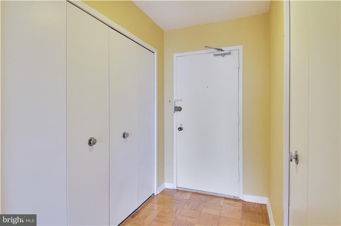 Condominio por un Venta en 3001 Veazey Ter Nw #1632 3001 Veazey Ter Nw #1632 Washington, Distrito De Columbia 20008 Estados Unidos